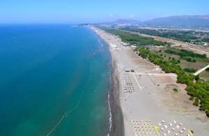 Shoqata e Qiramarrësve të Plazheve: ÇMIMET E SHËRBIMEVE DHE TË ÇADRAVE MË TË LARTA PËR 30 PËR QIND