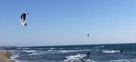 Në Plazh të madh: FILLOI SEZONI I KITE-SURFIT