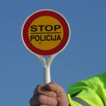 Gjatë fundjavës ndalohet komunikacioni ndërqytetor: POLICËT NË HYRJEN DHE DALJEN NGA KOMUNAT