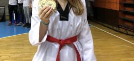 Taekwondo: BURSË DHE PREMI TË QEVERISË PËR KANAQIN DHE KRAJEN